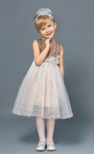 нарядное платье для девочки с пайетками